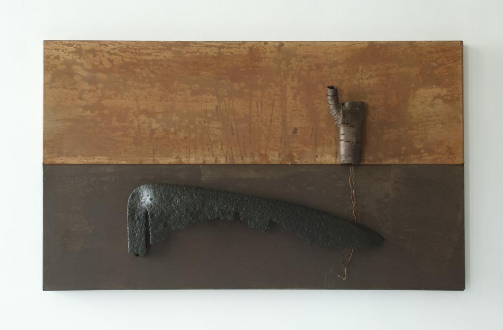 Ymmortal VI, 2015, staal, magneten, zeis, hout, lak L 41,5cm B 68cm D 6cm