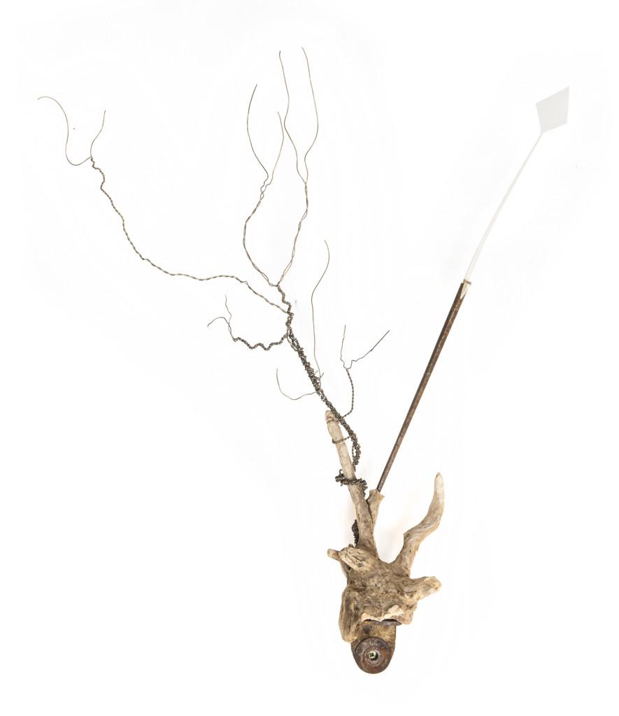 Saikuru XII, 2013, staal, hout, veer, goud35x42x8